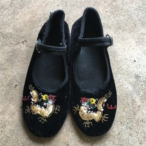 Vintage velvet maryjanes with beaded dragons